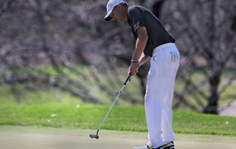 Men's golf surges late at home