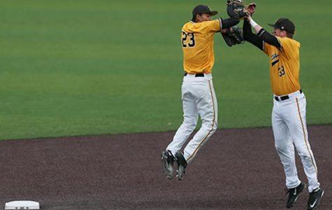 Baseball keeps Big Ten hopes alive