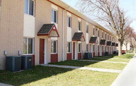 Iowa City tries to aid Rose Oaks tenants