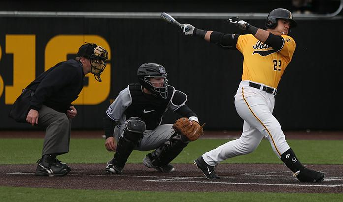 Iowa+left+fielder+Eric+Schenck-Joblinske+swings+the+bat+during+game+three+of+the+Iowa-Kansas+State+series+at+Duane+Banks+field+on+Sunday%2C+May+1%2C+2016.+The+Wildcats+defeated+the+Hawkeyes%2C+4-2+taking+the+series.+%28The+Daily+Iowan%2FMargaret+Kispert%29