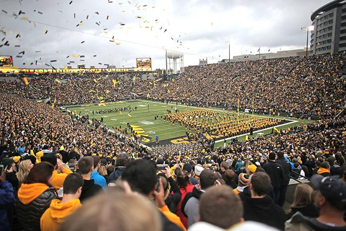 The+Iowa+team+runs+onto+the+field+to+before+the+Iowa-Maryland+game+at+Kinnick+Stadium+on+Saturday%2C+Oct.+31%2C+2015.+The+Hawkeyes+defeated+the+Terrapins+to+stay+undefeated%2C+31-15.+%28The+Daily+Iowan%2FMargaret+Kispert%29