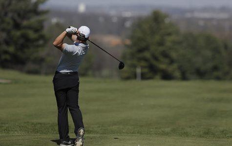 Hawk golfers set sights on Minnesota