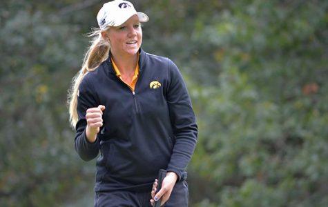 Women's golfers head west