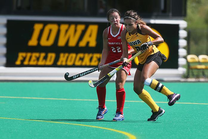 Iowa+forward+Natalie+Cafone+collides+with+Fairfield%27s+midfielder+Jaclyn+Gallagher+during+a+field+hockey+game+against+Fairfield+at+Grant+Field+on+Friday%2C+September+2%2C+2016.+The+Hawkeyes+defeated+the+Stags+4-1.+%28The+Daily+Iowan%2FJoseph+Cress%29
