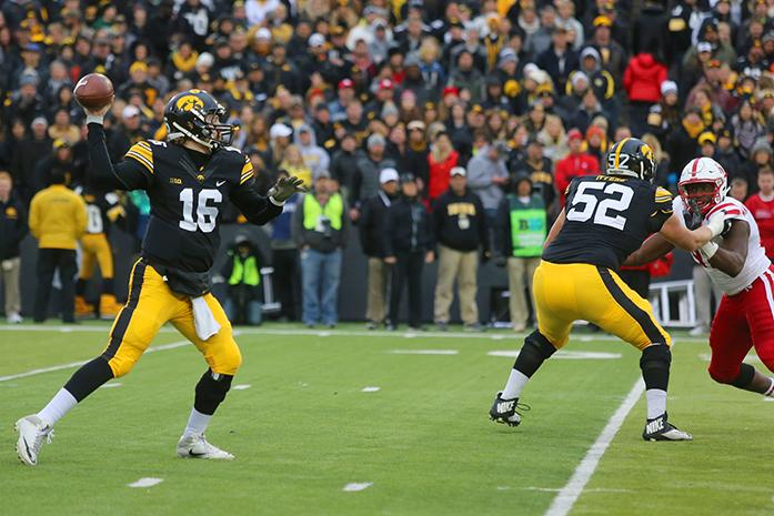 Iowa+quarterback+C.J.+Beathard+throws+a+ball+during+a+football+game+with+No.+16+Nebraska+in+Kinnick+Stadium+on+Friday%2C+Nov.+25%2C+2016.+The+Hawkeyes+defeated+the+Cornhuskers%2C+40-10%2C+on+senior+night.+%28The+Daily+Iowan%2FJoseph+Cress%29