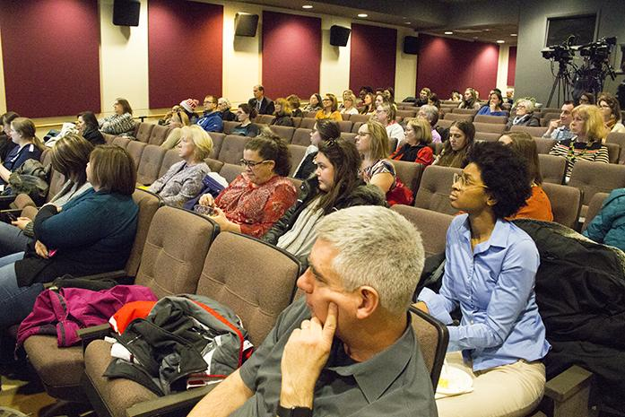 Audience+members+listen+during+the+Hawkeye+Lunch+and+Learn%3A+Women+in+Technology+event+in+the+IMU+Iowa+Theater+on+Thursday%2C+Feb+2%2C+2017.+The+event+consisted+of+College+of+Engineering+professor+Tonya+Peeples+discussing+strategies+on+how+to+increase+the+engagement+of+women+in+STEM+fields.+%28The+Daily+Iowan%2FLily+Smith%29