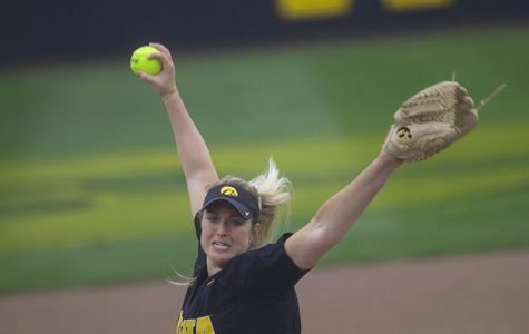 Softball faces challenges in Big Ten tourney