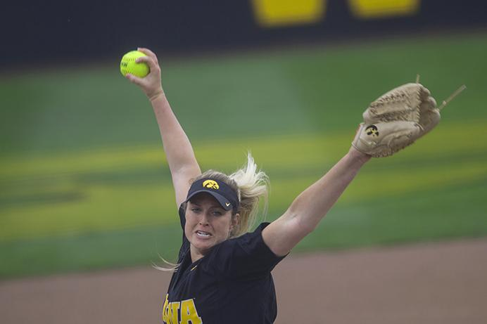 Iowa+pitcher+Shayla+Starkenburg+throws+a+pitch+during+the+Iowa-Iowa+State+softball+game+at+Bob+Pearl+Field+on+Tuesday%2C+April+18%2C+2017.+The+Hawkeyes+defeated+the+Cyclones%2C+2-1%2C+winning+the+final+game+of+the+Cy-Hawk+series+for+the+year.+%28The+Daily+Iowan%2FJoseph+Cress%29