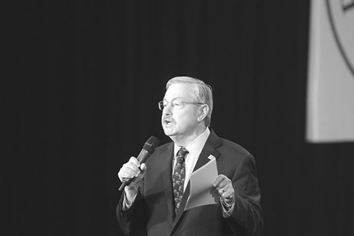 Iowa+Governor%2C+Terry+Brandstad%2C+gives+an+opening+address+at+the+Growth+and+Opportunity+Party+Saturday+October+31st%2C+2015.+The+event+had+several+guest+speakers+from+the+Republican+Party.+