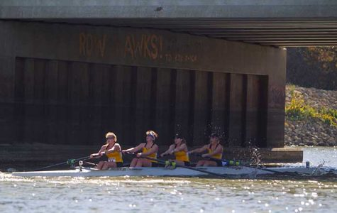 Iowa rowing recruits test the waters