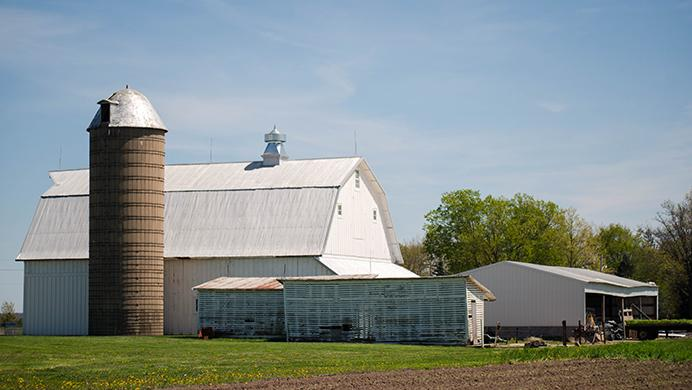 FILE+-+In+this+file+photo%2C+a+grain+silo+on+a+farm+in+Johnson+County.+Approximately+30.6+million+acres+of+land+in+the+state+of+Iowa+is+used+for+farming.+%28File+photo%2FThe+Daily+Iowan%29