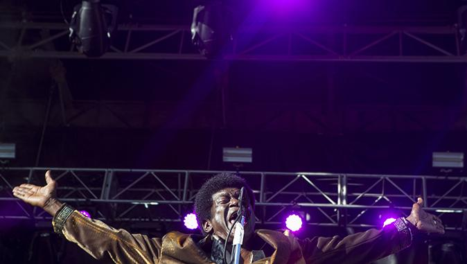 Charles+Bradley+%26amp%3B+His+Extraordinaires+perform+on+the+Hy-Vee+main+stage+at+80%2F35+in+Des+Moines+on+Friday%2C+July+7%2C+2017.+Founded+in+2008%2C+80%2F35+is+held+annually+in+Des+Moines+during+month+of+July%2C+hosting+musical+artists+from+around+the+country.+Headlining+this+year+are+The+Shins+and+MGMT+along+with+Action+Bronson.+%28Ben+Smith%2FThe+Daily+Iowan%29