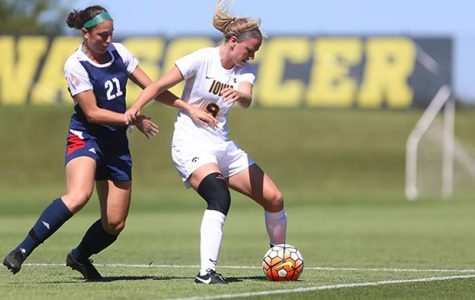 Former Hawkeye Soccer player signs with professional team