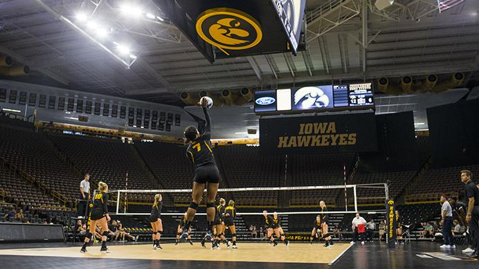 Iowa%27s+Gabrielle+Orr+serves+during+the+volleyball+Black+%26amp%3B+Gold+scrimmage+in+Carver-Hawkeye+Arena+on+Saturday%2C+Aug.+19%2C+2017.++%28Joseph+Cress%2FThe+Daily+Iowan%29