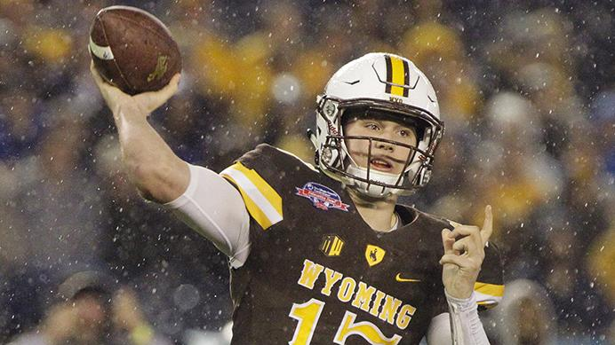 Wyoming+quarterback+Josh+Allen+throws+a+pass+in+the+first+quarter+against+BYU+during+the+Poinsettia+Bowl+on+Wednesday%2C+Dec.+21%2C+2016+at+Qualcomm+Stadium+in+San+Diego%2C+Calif.+%28Hayne+Palmour+IV%2FSan+Diego+Union-Tribune%2FTNS%29