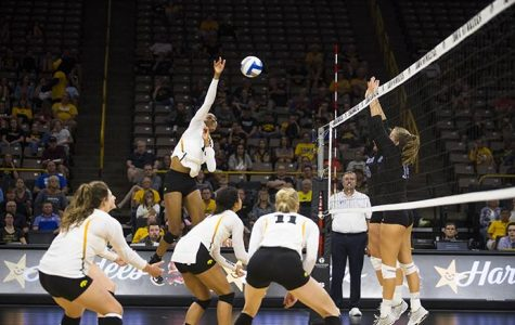 Volleyball's offense disappointed in Big Ten home opener