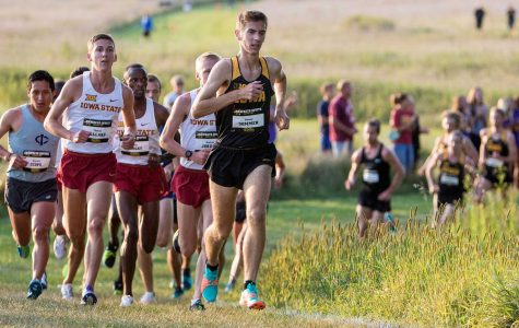 Hawkeye cross country heads out west