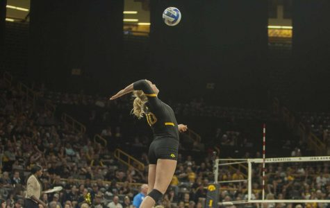 Freshman Sheehan fills big role during volleyball's conference play