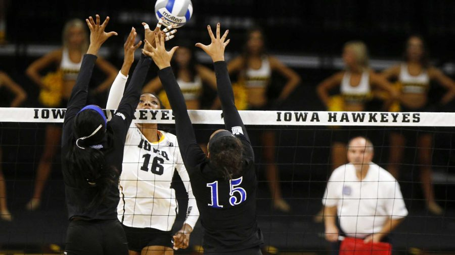 Iowa+outside+hitter+Taylor+Louis+sets+a+ball+over+the+net+during+an+NCAA+volleyball+game+between+Iowa+and+Indiana+State+on+Saturday%2C+Sept.+2%2C+2017.+The+Hawkeyes+defeated+the+Sycamores%2C+3-1.+%28Joseph+Cress%2FThe+Daily+Iowan%29