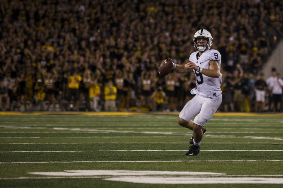 Penn+State+quarterback+Trace+McSorley+throws+during+the+4th+quarter+of+Iowa%27s+game+against+Penn+State+at+Kinnick+Stadium+on+Sept.+23%2C+2017.+Penn+State+defeated+Iowa+21-19+on+a+last+second+touchdown+past.+%28Nick+Rohlman%2FThe+Daily+Iowan%29