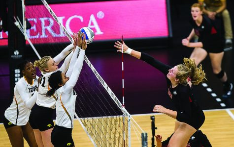 Iowa volleyball prepares for conference season in D.C.