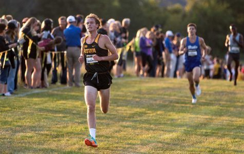 Freshmen-harrier trio embraces new cross country season