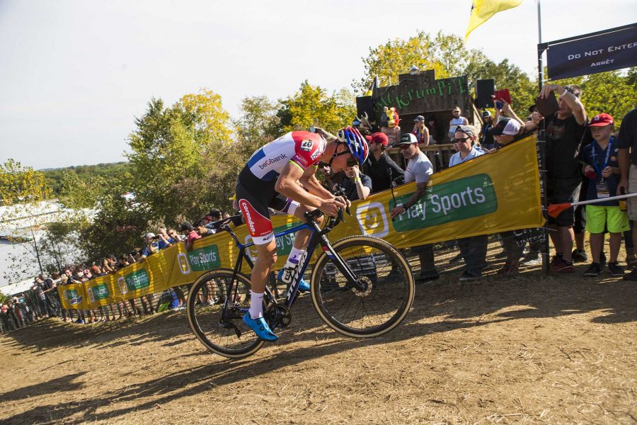 Beobank-Corendon%27s+Mathieu+Van+Der+Poel+from+the+Netherlands+rides+up+Mt.+Krumpit+during+the+UCI+Telenet+Men%27s+World+Cup+cyclocross+race+at+Jinglecross+on+the+Johnson+County+fairgrounds+on+Sunday%2C+Sept.+17%2C+2017.+Sunday+began+with+a+kids+events%2C+a+speedo+race+and+a+dog+race+followed+by+the+women%27s+and+men%27s+UCI+world+cup+races.+%28Joseph+Cress%2FThe+Daily+Iowan%29