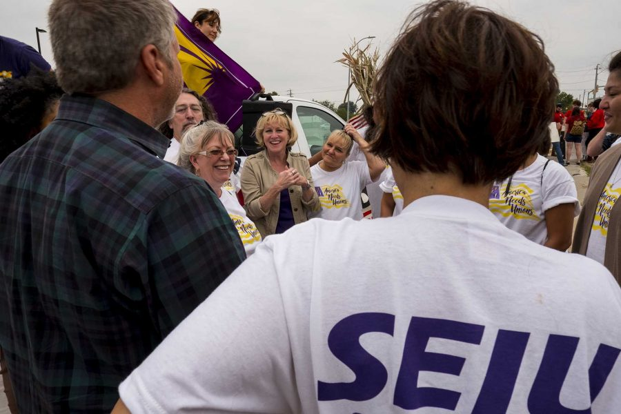 Cathy+Glasson+meets+with+members+of+SEIU+during+a+demonstration+at+Mercy+Hospital+in+Des+Moines+on+Monday%2C+September+4%2C+2017.+Glasson%2C+the+president+of+SEIU+local+199%2C+is+running+for+governor+of+Iowa+as+a+Democrat.+Protestors+attended+multiple+events+in+Des+Moines+on+Labor+Day+to+demonstrate+in+support+of+a+%2415+per+hour+minimum+wage+and+private+sector+unions.+%28Nick+Rohlman%2FThe+Daily+Iowan%29