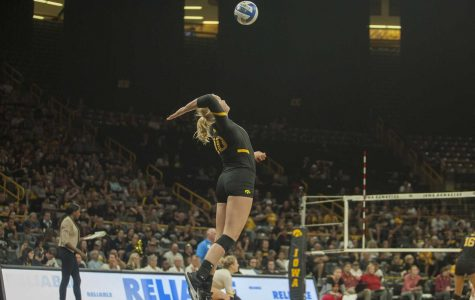 Volleyball offense dominates in weekend sweep