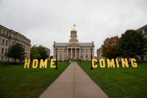 The Old Capitol Building before the University of Iowa homecoming parade on Friday, 6 Oct., 2017.