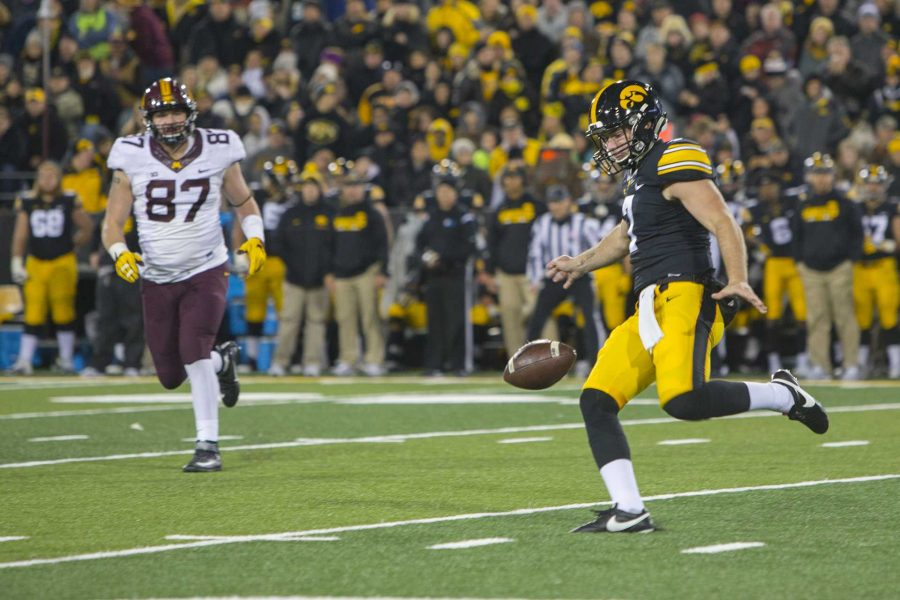 Iowa%27s+Colten+Rastetter+punts+during+the+Iowa%2FMinnesota+football+game+at+Kinnick+Stadium+on+Saturday%2C+Oct.+28%2C+2017.+The+Hawkeyes+defeated+the+Golden+Gophers%2C+17-10%2C+to+keep+the+Floyd+of+Rosedale+trophy.+