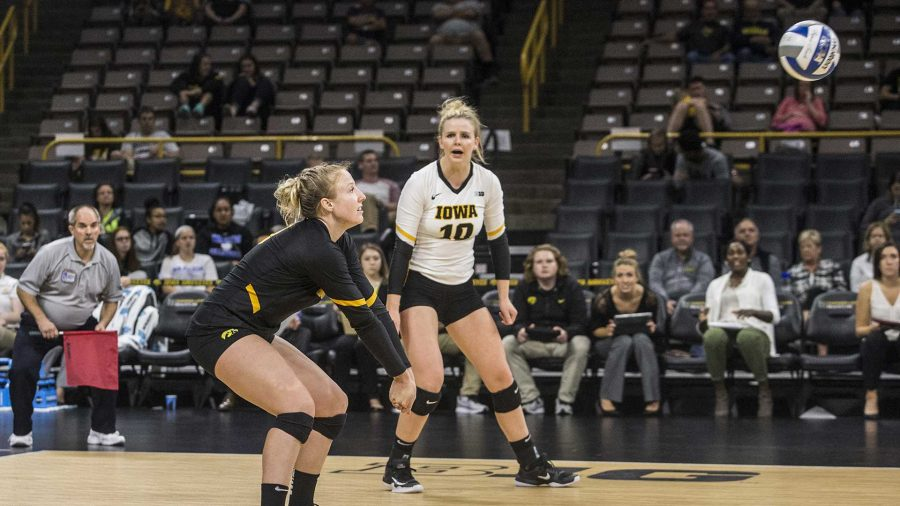 Iowa%27s+Annika+Olsen+plays+the+ball+during+a+match+at+Carver-Hawkeye+Arena+on+Wednesday%2C+Oct.+4%2C+2017.+Iowa+defeated+Michigan+3+sets+to+1.+%28Nick+Rohlman%2FThe+Daily+Iowan%29