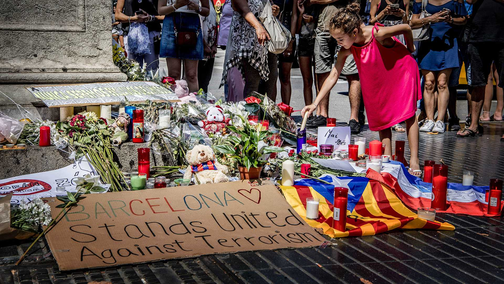 Flowers, messages and candles placed at a memorial Aug. 18, 2017 in Barcelona after the terrorist attack of The Rambla in Barcelona, Spain. The attack killed 14 and left more than 100 wounded. (Robin Utrecht/Abaca Press/TNS)
