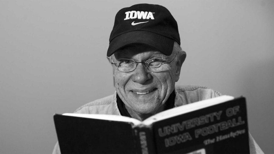 Former+Iowa+football+player+recalls+Hawkeye+life+in+Evashevski+years