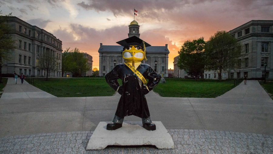 A+Herky+statue+with+a+%22PHIL+Was+Here%22+sash+stands+on+the+Pentacrest+on+Monday%2C+April+24.+Beginning+in+2012%2C+the+UI+launched+PHIL+Was+Here+to+celebrate+philanthropy+at+the+university.+%28The+Daily+Iowan%2FBen+Smith%29