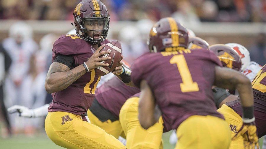 Minnesota+quarterback+Demry+Croft%2C+left%2C+looks+to+hand+the+ball+to+running+back+Rodney+Smith+%281%29+during+the+first+quarter+against+Illinois+at+TCF+Bank+Stadium+in+Minneapolis+on+Saturday%2C+Oct.+21%2C+2017.+The+host+Golden+Gophers+won%2C+24-17.+%28Elizabeth+Flores%2FMinneapolis+Star+Tribune%2FTNS%29