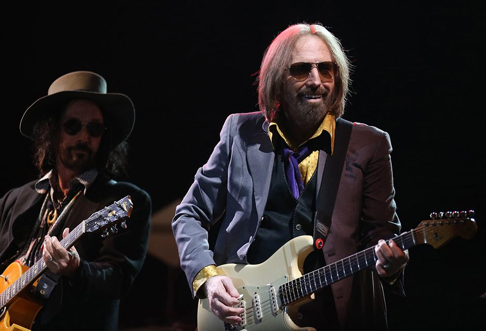 Rock+and+Roll+Hall+of+Famer+Tom+Petty+performs+with+the+Heartbreakers+on+Day+One+of+Arroyo+Seco+Weekend+on+Saturday%2C+June+24%2C+2017+in+Pasadena%2C+Calif.+%28Luis+Sinco%2FLos+Angeles+Times%2FTNS%29