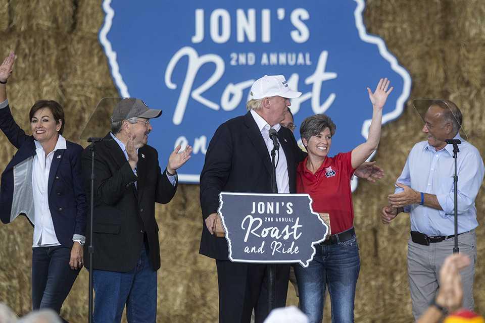 Lt.+Governor+Kim+Reynolds%2C+Iowa+Governor+Terry+Branstad%2C+Republican+presidential+nominee+Donald+Trump%2C+Iowa+Senator+Joni+Ernst%2C+and+Iowa+Representative+Steve+King+wave+to+fans+during+Iowa+Senator+Joni+Ernsts+second+annual+Roast+and+Ride+event+in+Des+Moines+on+Saturday%2C+August+27%2C+2016.+%28The+Daily+Iowan%2FJoseph+Cress%29