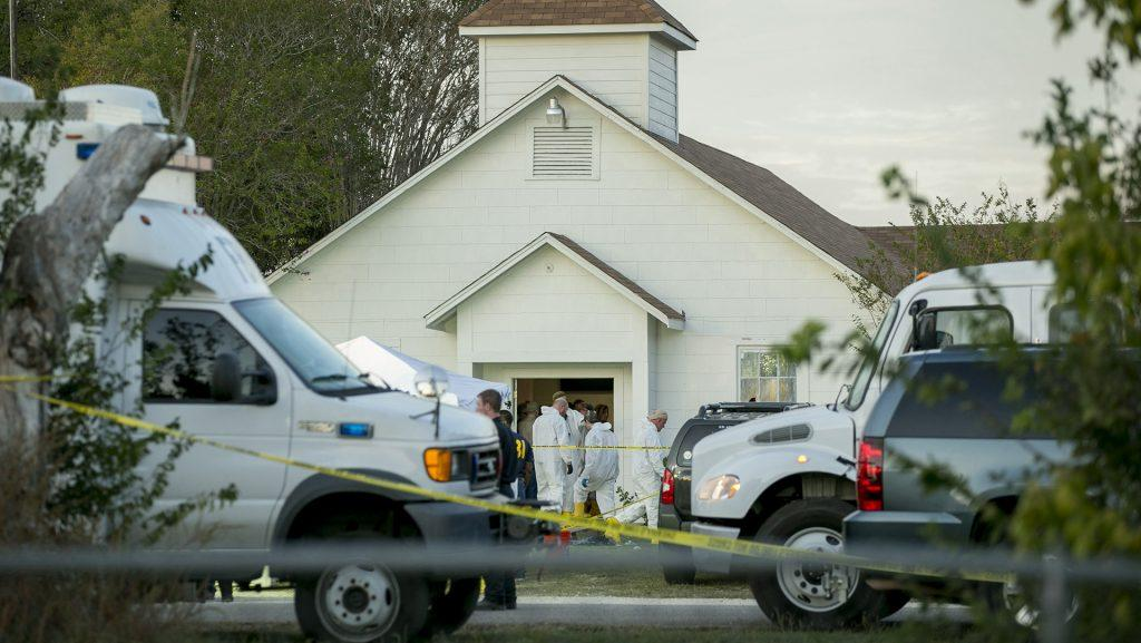 Investigators+work+at+the+scene+of+a+mass+shooting+at+the+First+Baptist+Church+in+Sutherland+Springs%2C+Texas+on+Sunday%2C+Nov.+5%2C+2017.+%28Jay+Janner%2FAustin+American-Statesman%2FTNS%29