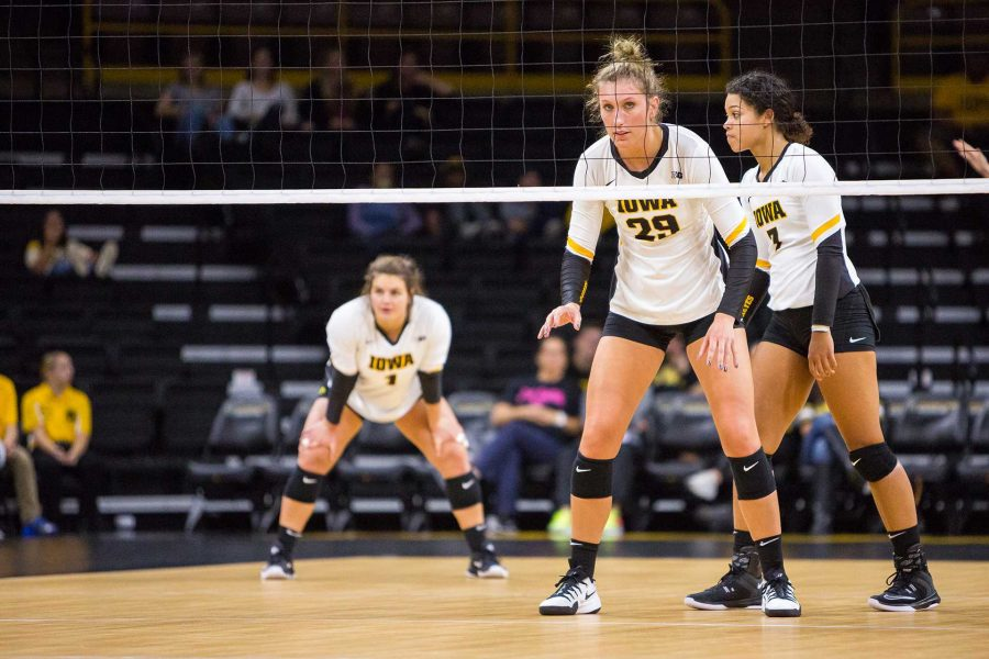 Iowa+Hawkeye+Volleyball+player+Jess+Janota+during+a+match+against+the+University+of+Illinois+Fighting+Illini+on+Friday%2C+Oct.+19%2C+2017.+The+Illini+defeated+the+Hawkeyes+three+sets+to+two.+%28David+Harmantas%2FThe+Daily+Iowan%29