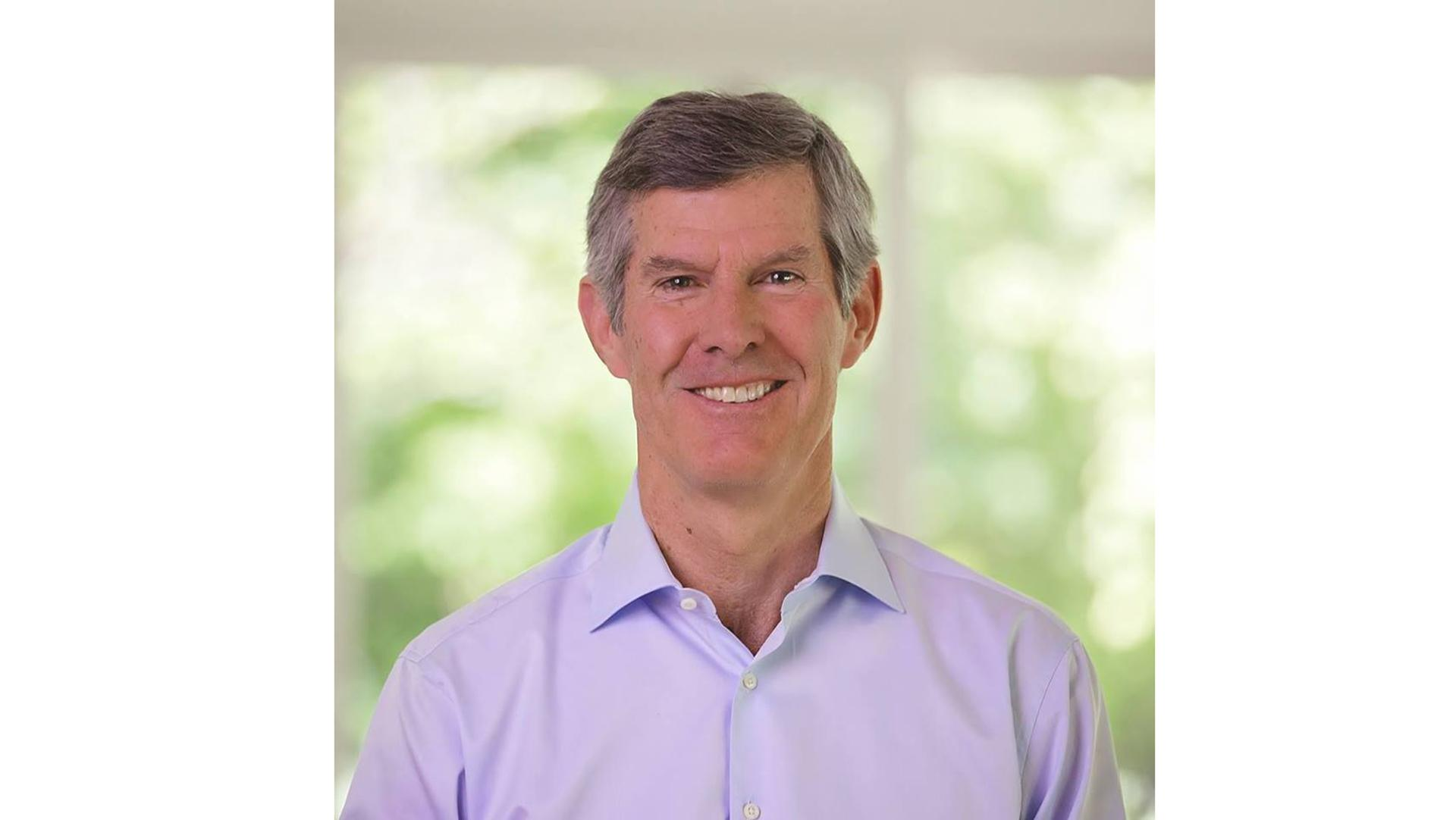 Hubbell leads in fundraising, polls ahead of primary