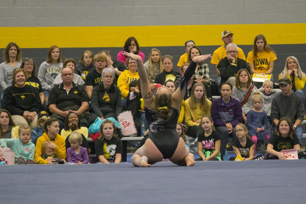 Iowa+sophomore+Breanna+Fitzke+performs+on+the+floor+during+the+Black+and+Gold+Intrasquad+meet+at+the+Field+House+on+Saturday%2C+Dec.+2%2C+2017.++The+Gold+team+defeated+the+Black+team%2C+13-7.+%28Lily+Smith%2FThe+Daily+Iowan%29
