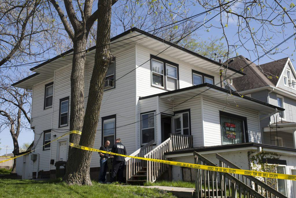 Iowa City police respond to a suspicious death at 518 South Capitol Street in Iowa City on Sunday, April 23, 2017. According to the press release when officers arrived a deceased male subject was found. (The Daily Iowan/Joseph Cress)