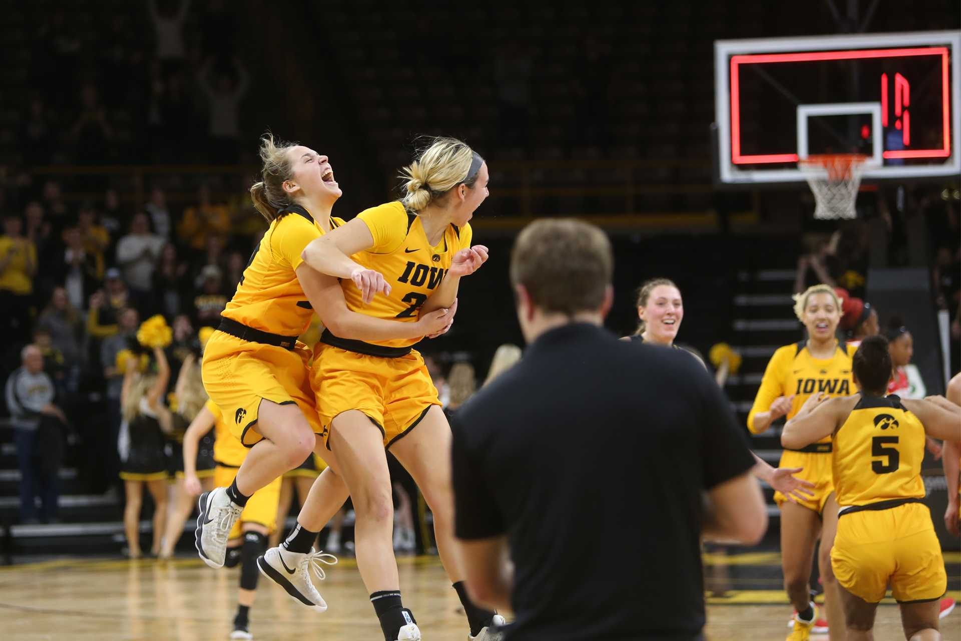 Hawkeyes Back to their Winning Ways, Upset Ohio State
