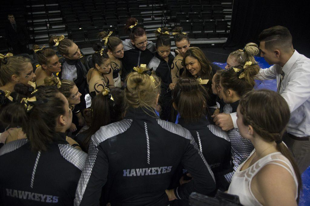 Iowa+head+coach+Larissa+Libby+huddles+with+her+athletes+during+a+women%27s+gymnastics+meet+in+Carver-Hawkeye+Arena+on+Friday%2C+Jan.+13%2C+2017.+The+Hawkeyes+defeated+the+Spartans%2C+195.475-193.875.+%28The+Daily+Iowan%2FJoseph+Cress%29