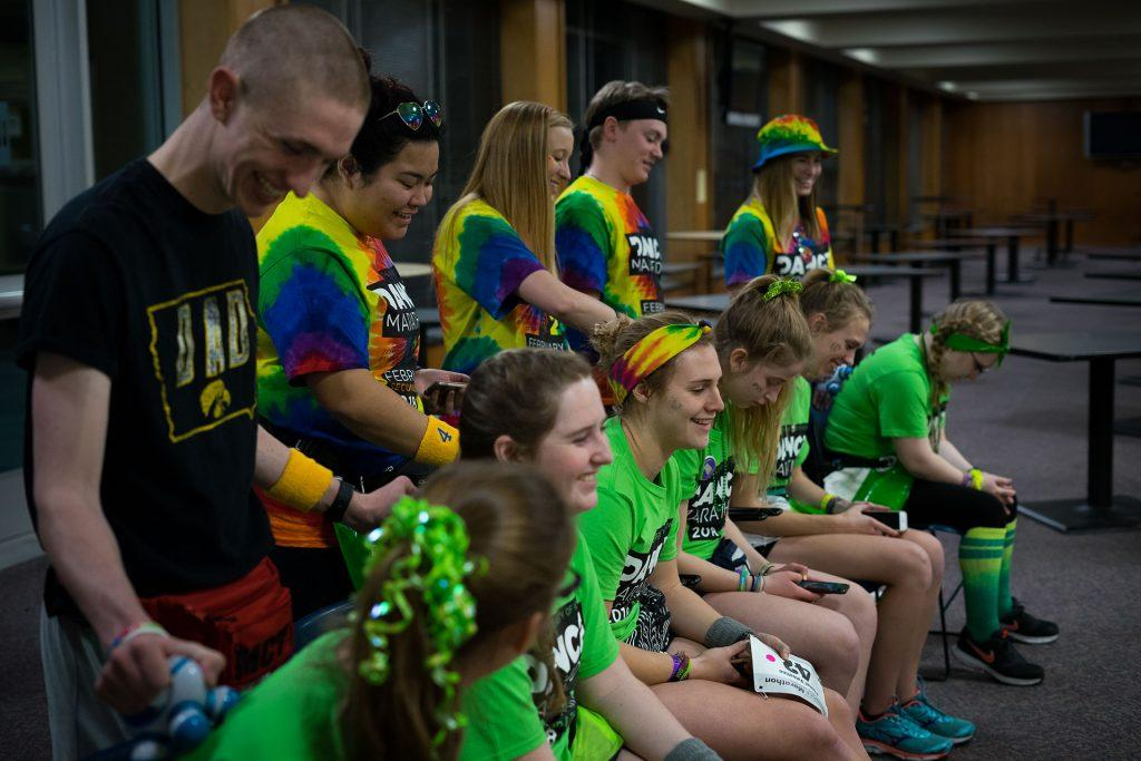 Morale+Captain+Assistants+give+participants+back+massages+at+the+24th+Annual+Dance+Marathon+put+on+by+the+University+of+Iowa+on+Saturday%2C+Feb.+3%2C+2018.+%28Matthew+Finley%2FThe+Daily+Iowan%29