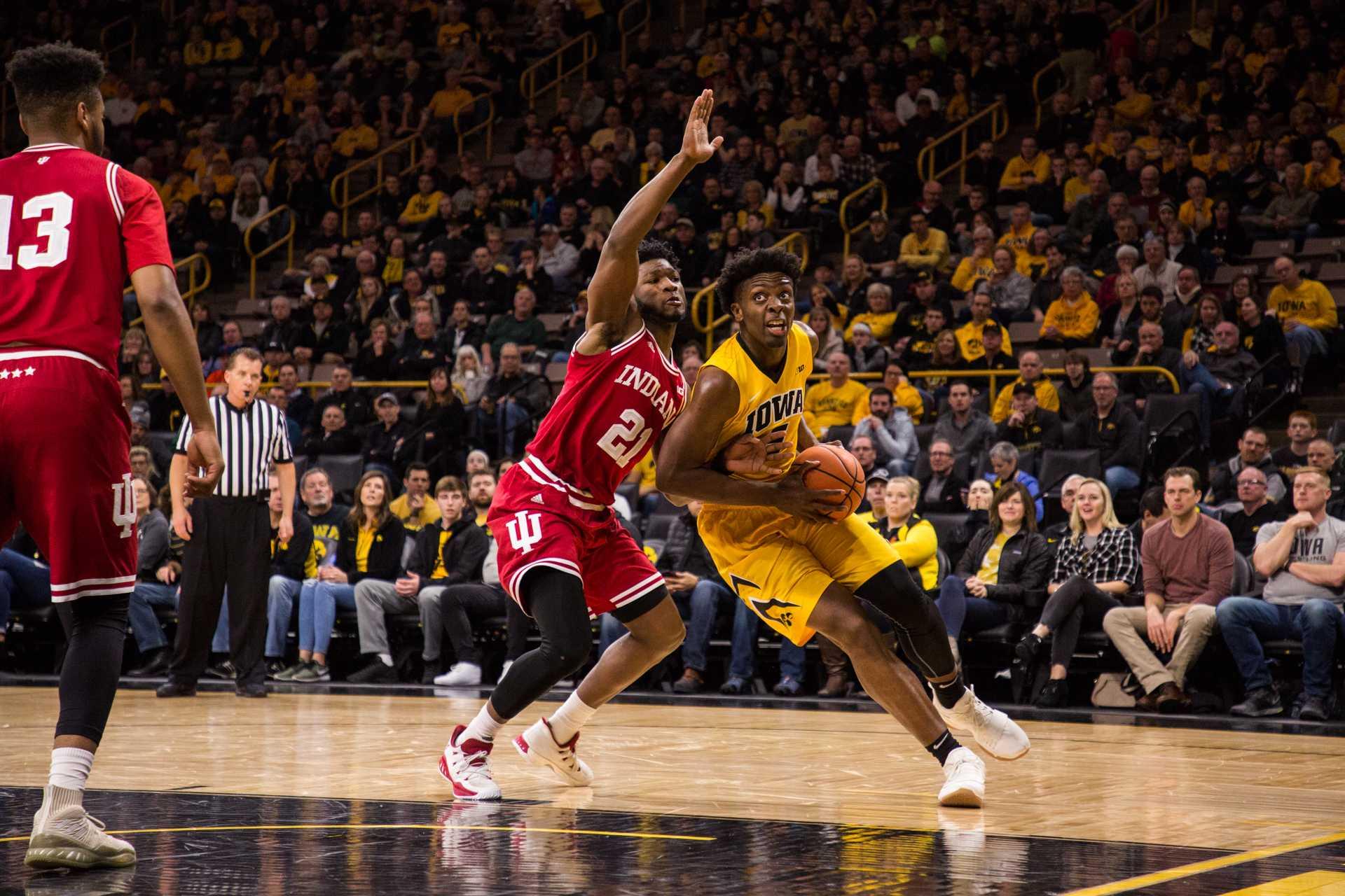 Hawkeye basketball benefiting from NBA hopefuls