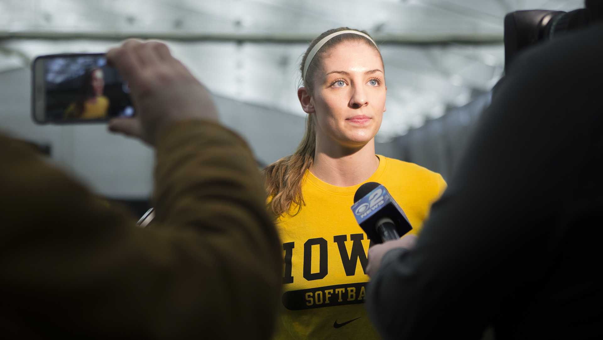 Pitching and offense struggle as Iowa drops three