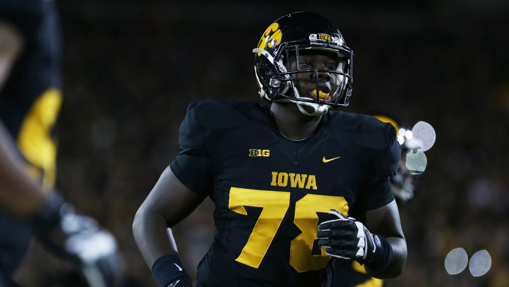 aa7a492970a NFL Hawkeye James Daniels returns for graduation – The Daily Iowan