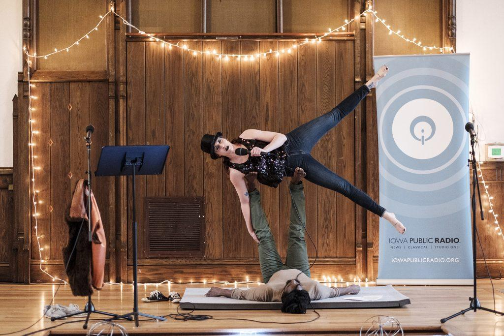 Iowa+Public+Radio+host%2C+Fire+Eater%2C+and+Acro-Yogi+Lindsey+Moon+introduces+the+event+%E2%80%9CFringe%3A+True+stories+from+outsiders.%E2%80%9D+The+Event+provided+a+forum+for+individuals+to+speak+about+a+time+where+they+felt+alone+or+lost+in+their+role+in+society.+%28Nick+Rohlman%2FThe+Daily+Iowan%29